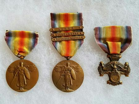 The Right Medal was given to soldiers from the state of Oregon World War I Victory Medals